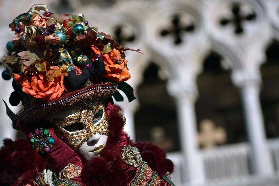 Carnival gets underway in Venice