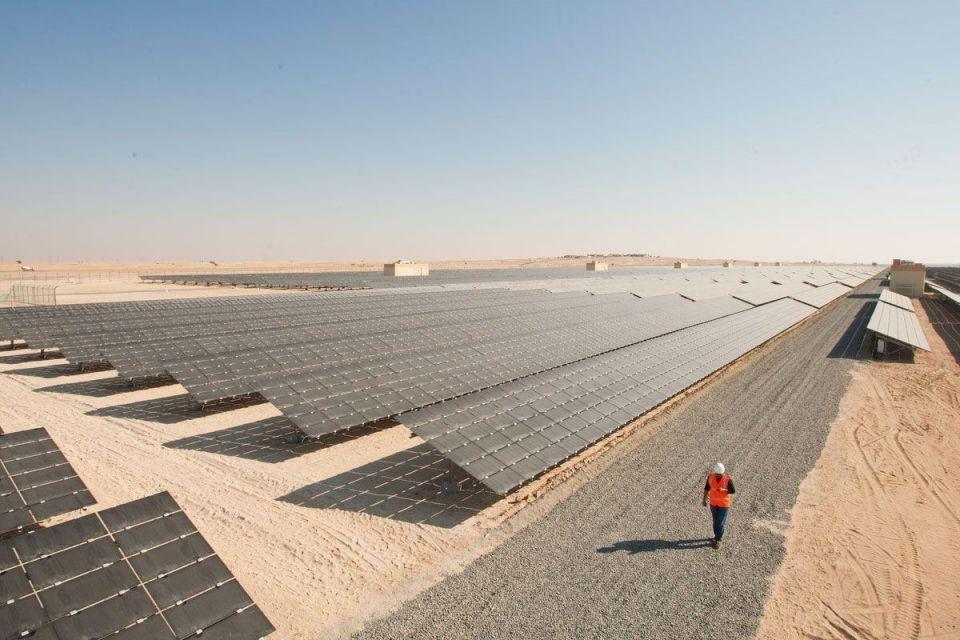 DEWA picks Masdar-led group to build 800 MW solar park
