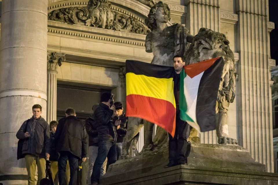 World landmarks pay tribute to victims of the Brussels terror attacks