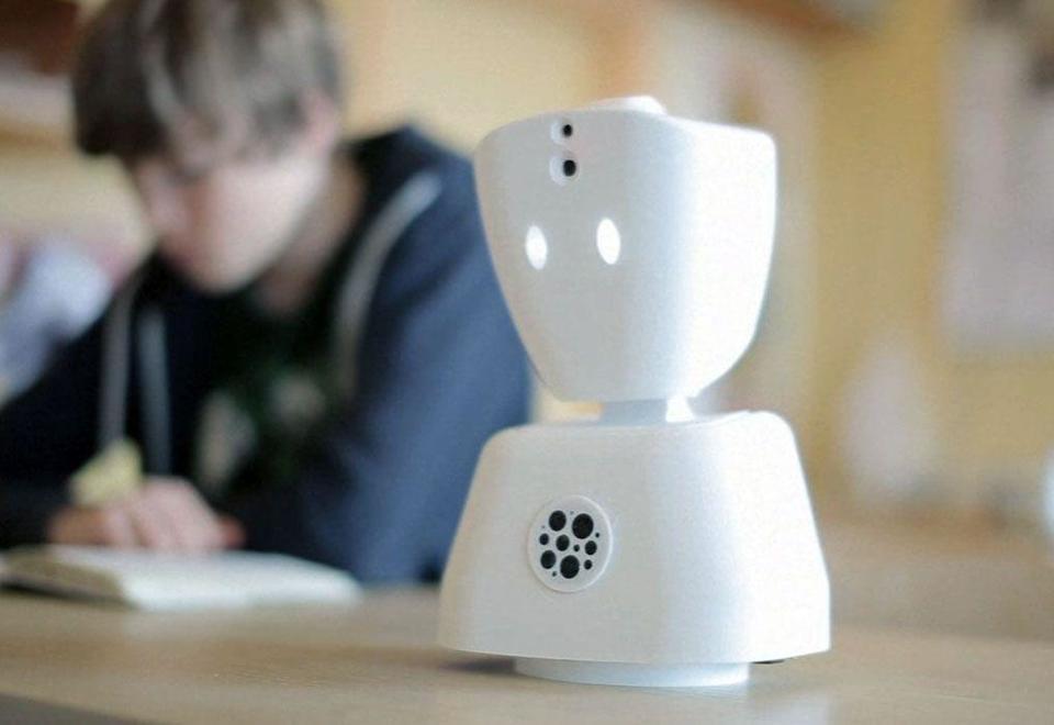 Video: Avatar robot staves off sick children's isolation