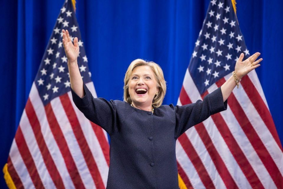 Clinton holds five-point lead as FBI looks at more emails