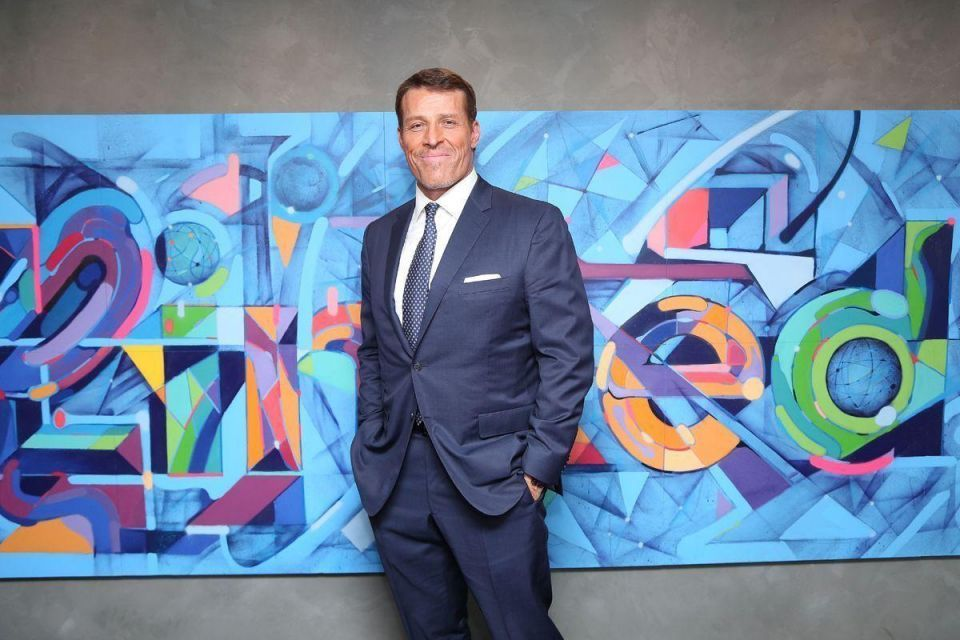 Tony Robbins VIP ticket priced $5k includes 'individual photo' with life coach