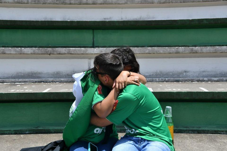 In pictures: Fans pay tribute to Brazilian football team Chapecoense following fatal plane crash