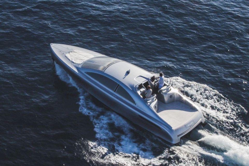 The Silver Arrow of the seas: Mercedes-Benz Arrow 460-Granturismo