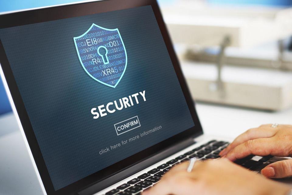 Abu Dhabi police warn against fraudulent banking websites