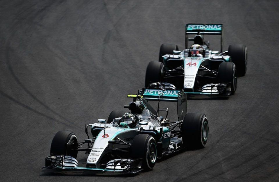 F1 finale in Abu Dhabi: Hamilton faces 'impossible odds' to overtake rival Rosberg