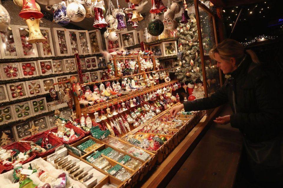 In pictures: Christmas market opens in Berlin