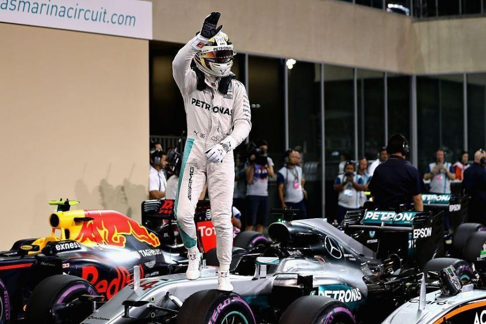 Hamilton on pole for F1 title showdown in Abu Dhabi