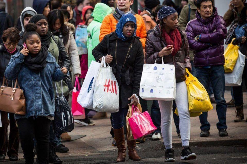 Black Friday: In store vs. online shopping