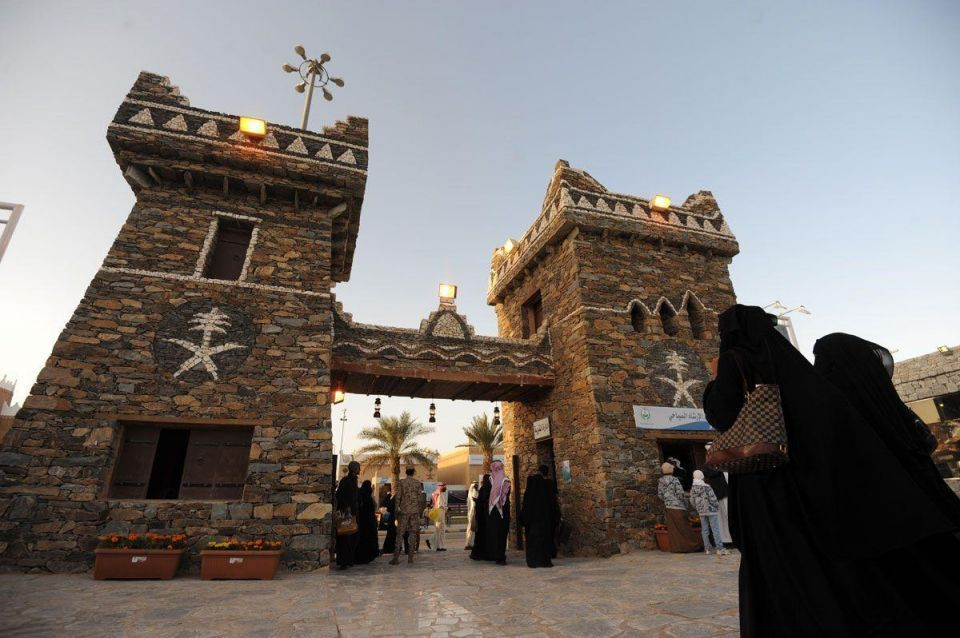 Saudi gov't 'approves $6.9bn of tourism, heritage projects'