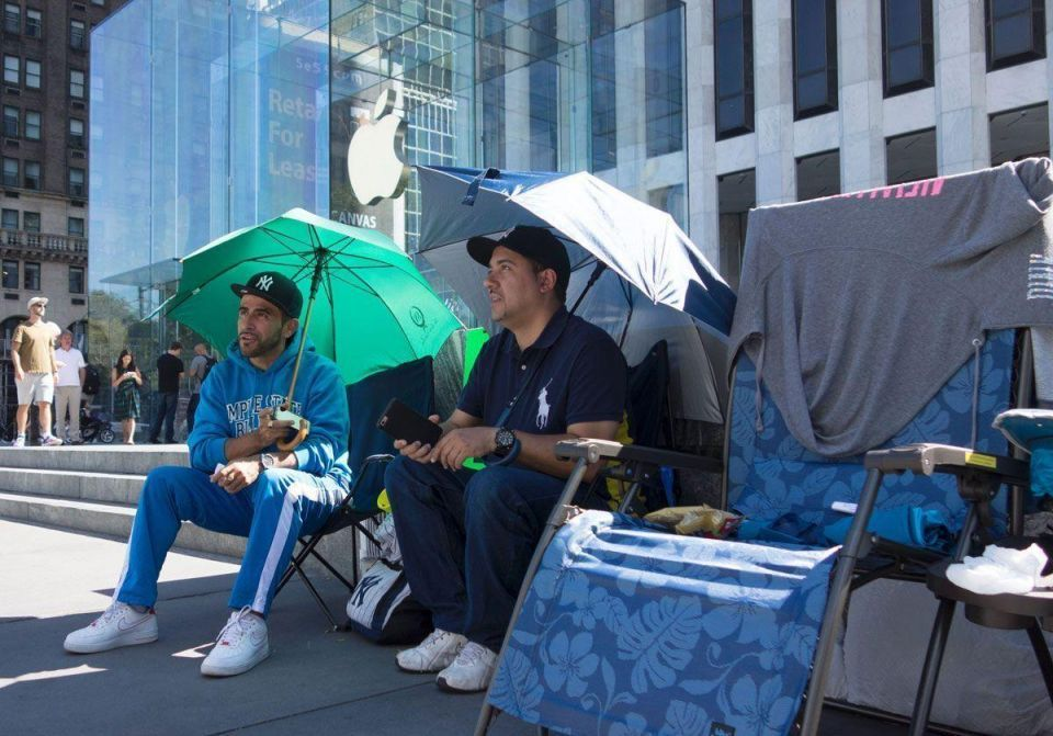 In pictures: Apple fans await iPhone 7
