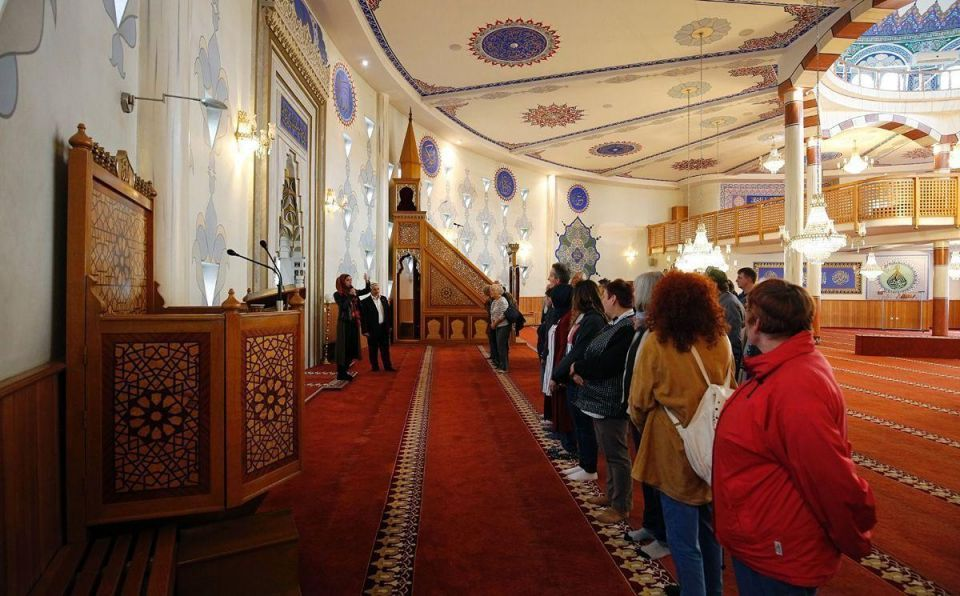 In pictures: Open Mosque day in Germany