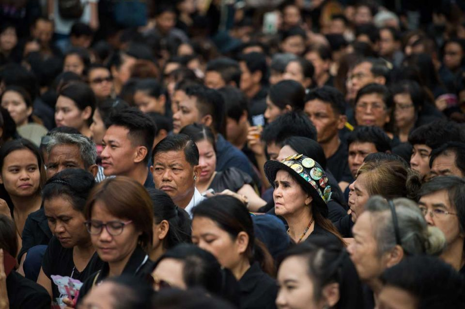 In pictures: Thailand mourners continues to pay respect for late King Bhumibol