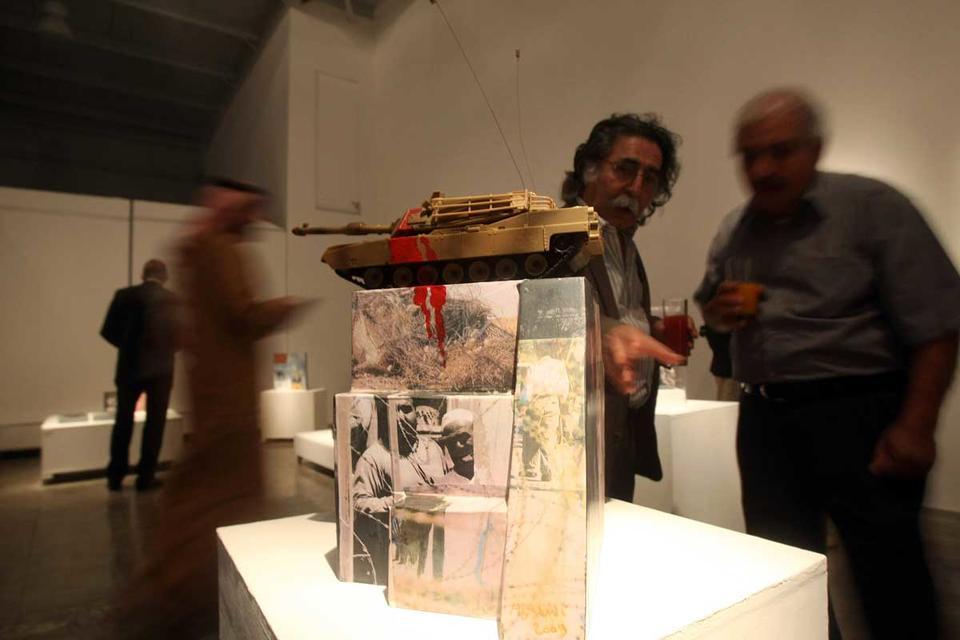 Video: Iraqi artist Dia Azzawi's take on political history of the Arab world
