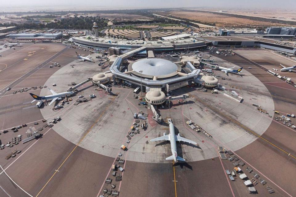 Abu Dhabi airport reports slight drop in passenger numbers