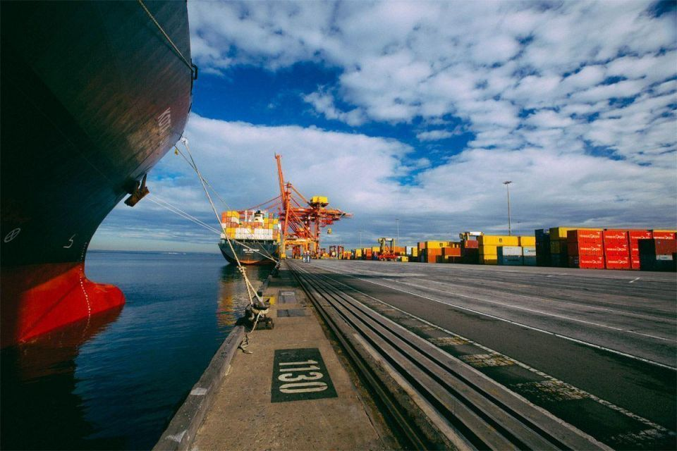Qatar-backed consortium completes $6.8bn takeover of Australian freight giant Asciano