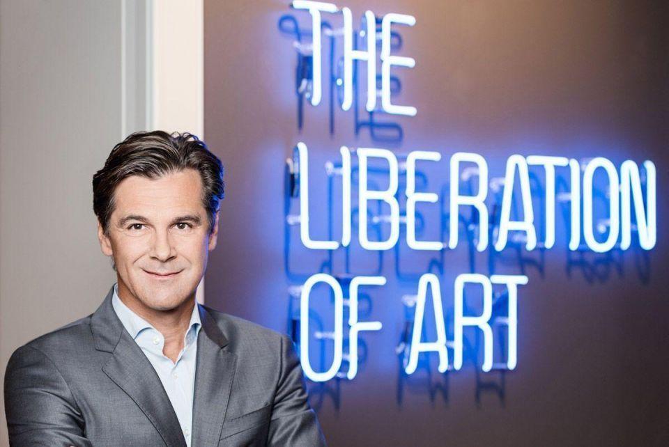 'How to buy proper art' with Bernd Stadlwieser, CEO of LUMAS galleries