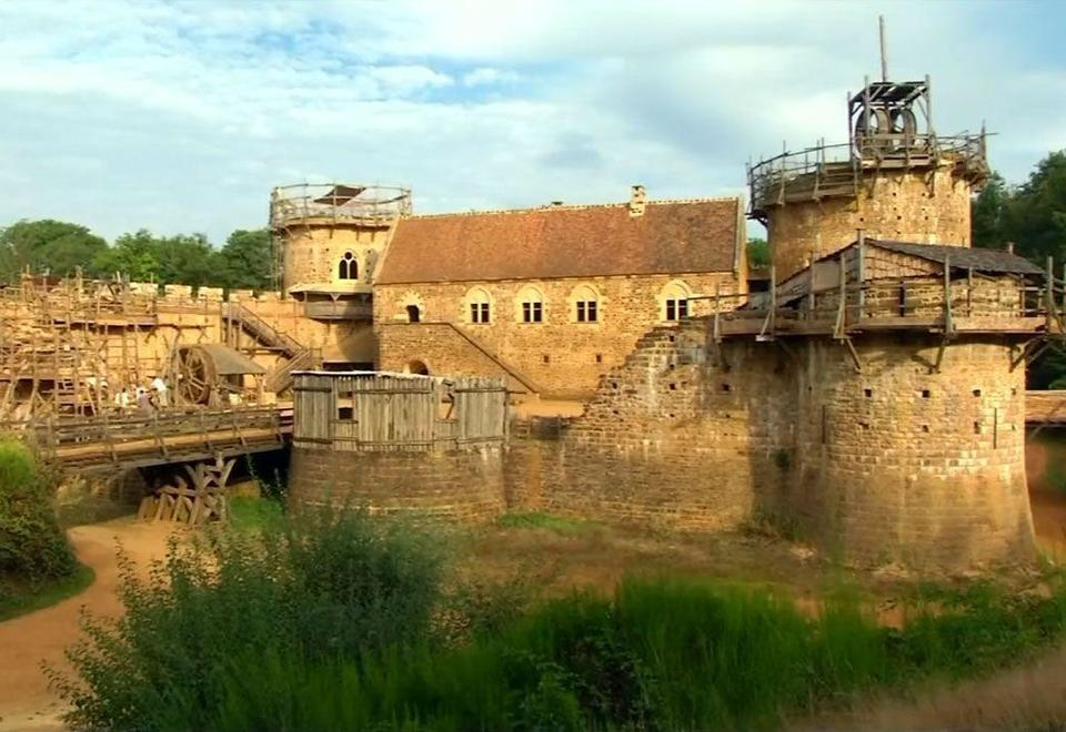 Video: See the medieval castle being built by hand