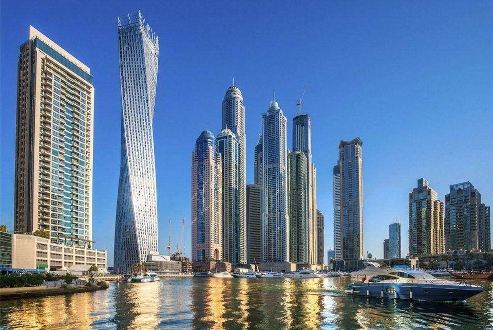 Dubai skyscraper office rents stay flat in H2 2015