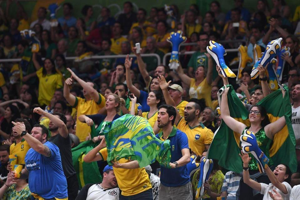 Video: Fans full of praise at close of Rio Olympics