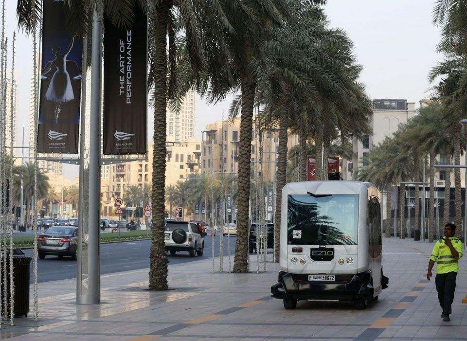 Driverless vehicle test in Dubai receives support from users