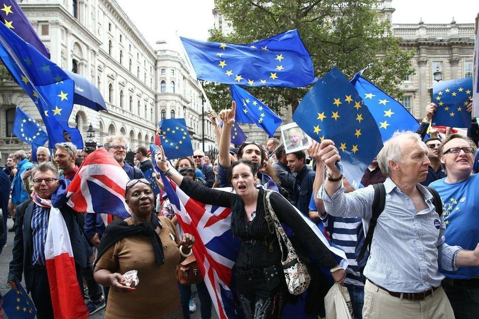 Video: Anti-Brexit protesters march through London