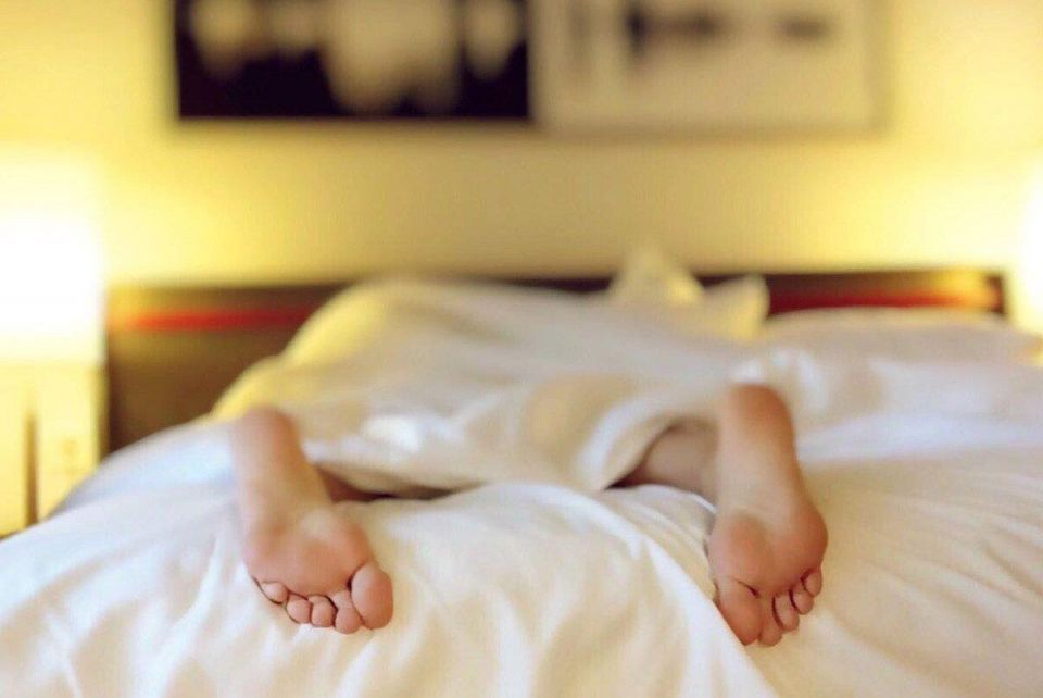 Not a morning person? Here's how to become one