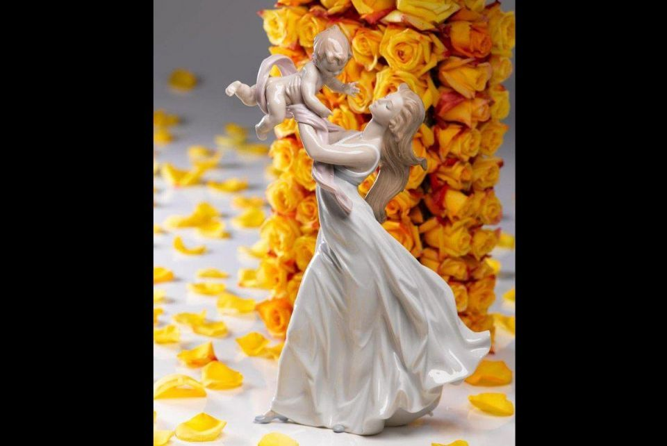 10 statues you can gift your mum any day