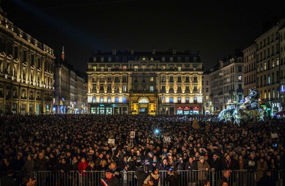 France shows no fear