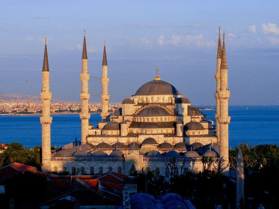 Turkish tourism expects to overcome terror attacks in 2018