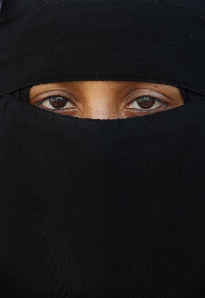 US man faces jail for attempting to remove Saudi woman's veil
