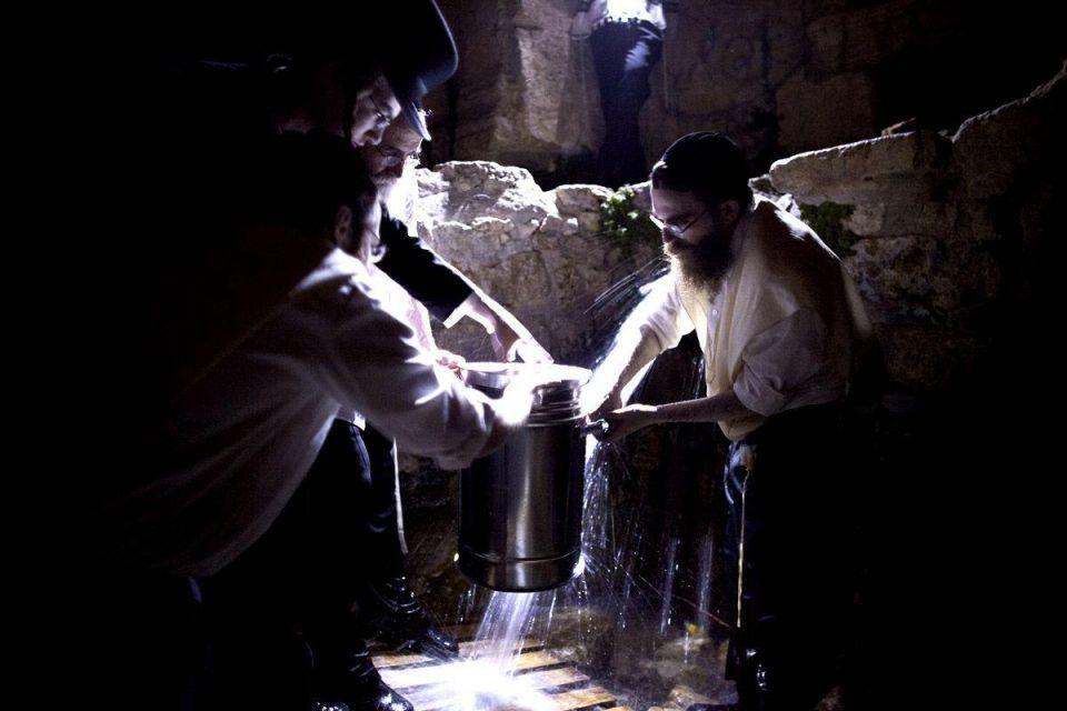 Ultra-Orthodox Jews celebrate Passover