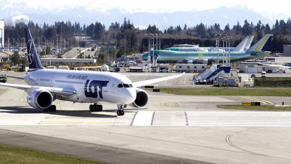 Boeing tests the 787 in first flight since being grounded