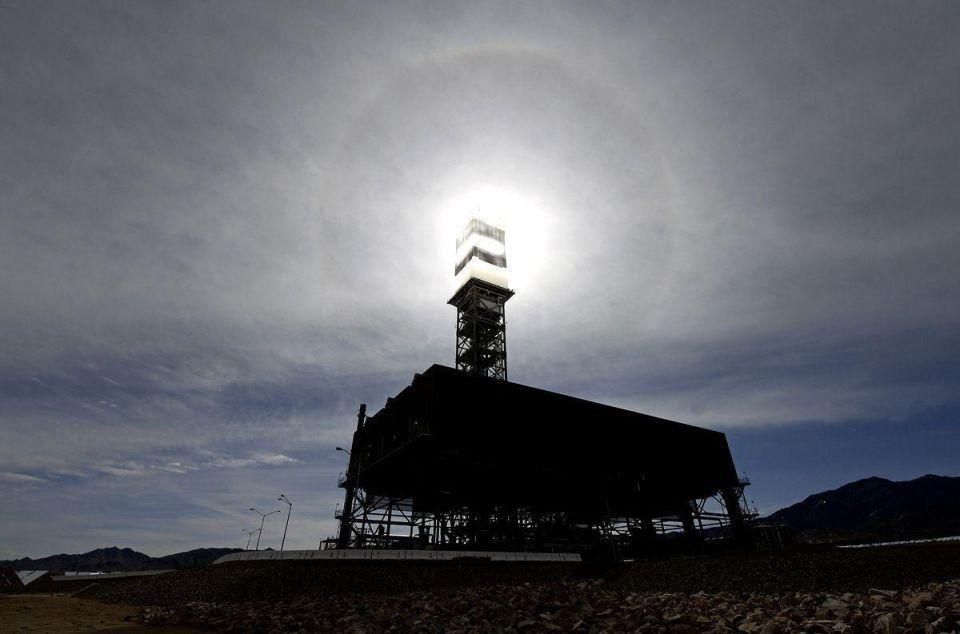 Solar plant powers California