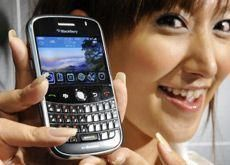 Saudi telcos 'not told' to cut B'berry messenger service