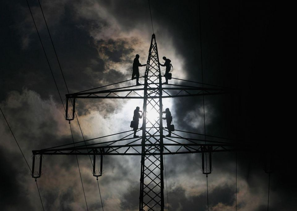 Bahrain signs deal with Kuwait to upgrade its power grid