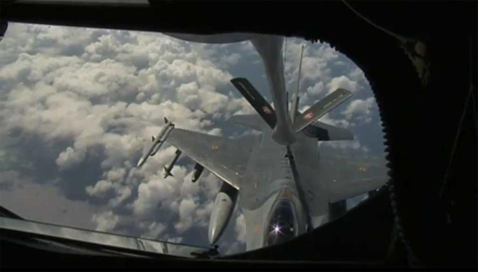 Fighter jets refuelling mid-air off Libyan coast