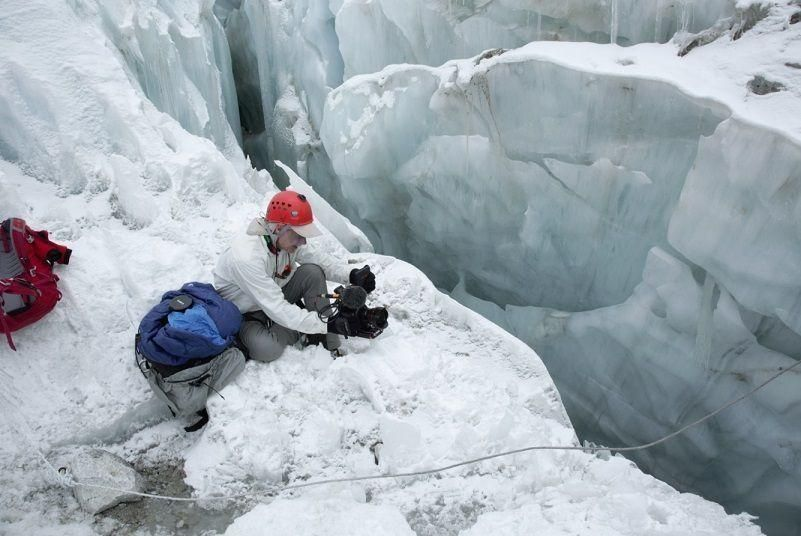 In pictures: UAE military team - scaling Everest