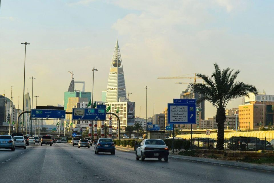 Saudi business gauge falls to record low as economy hit by VAT