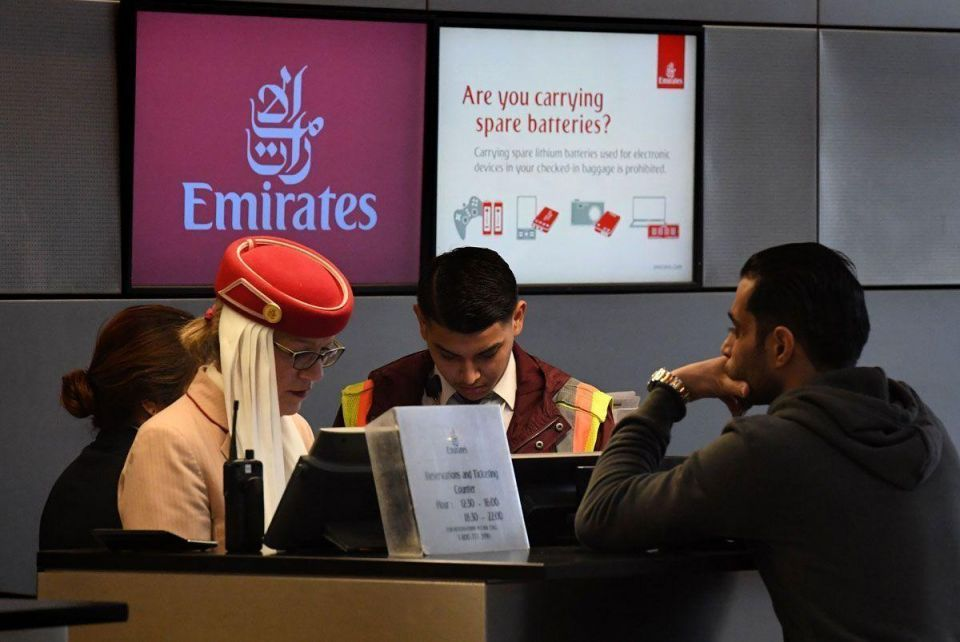 Experts weigh cost of electronics ban to Gulf carriers