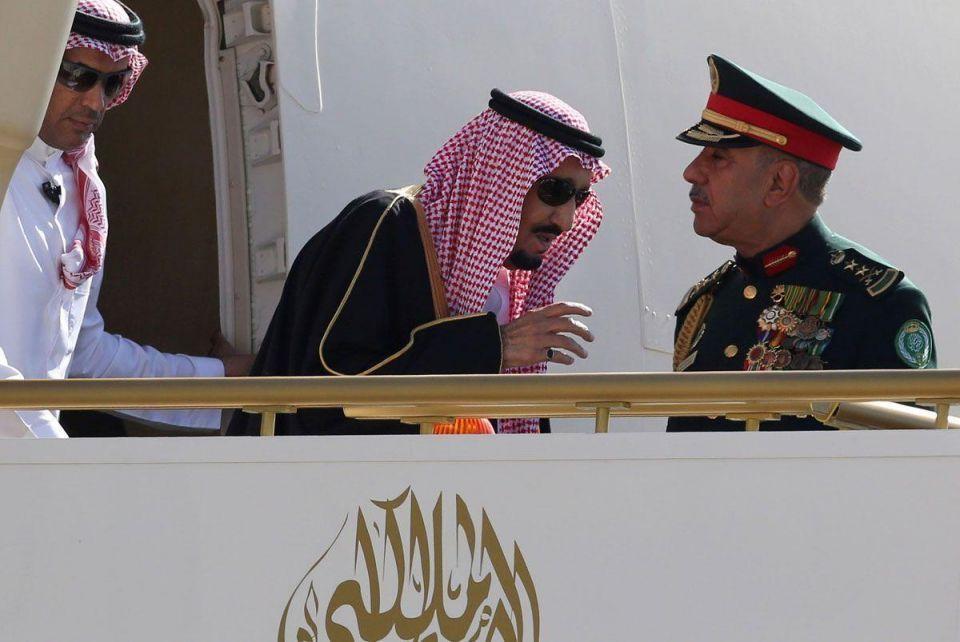In pictures: King Salman arrived in Jordan