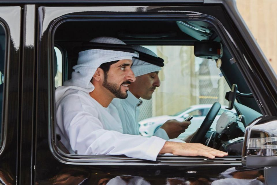 Dubai Crown Prince rescues truck driver stuck in desert