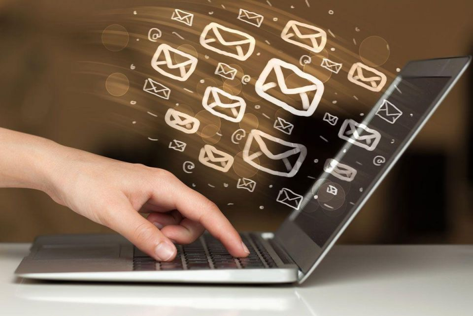 E-mail and social media etiquette in the modern business world