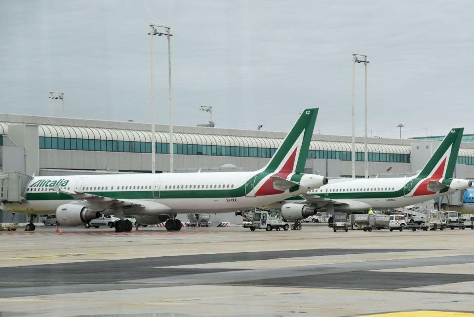 Etihad says open to 'potentially deepening' ties with Alitalia