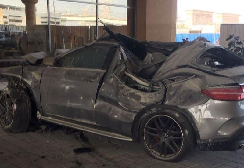 Driver dies after crashing into pillar near Ibn Battuta Mall