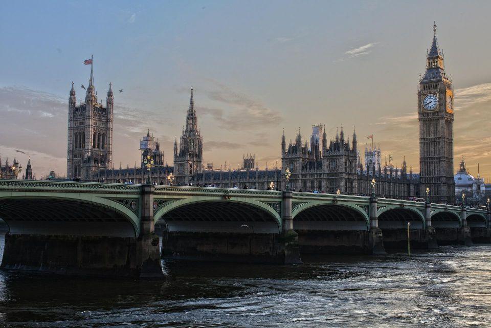 UK lawmakers expose loopholes in anti-money laundering bill