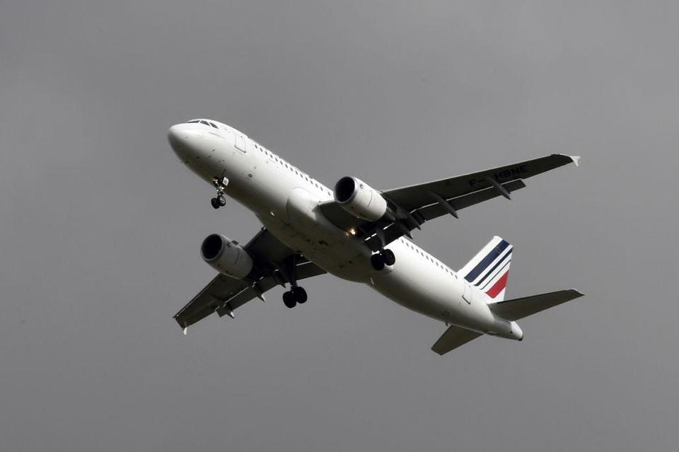 Air France says to halt flights to Riyadh