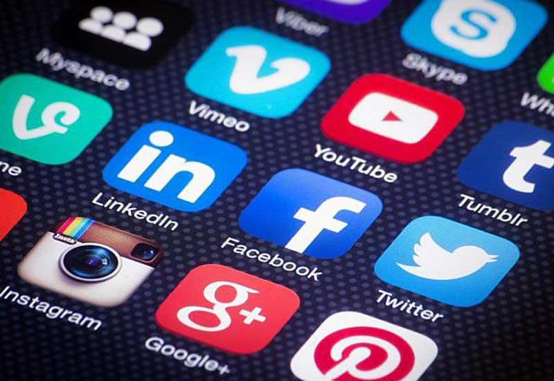 US visa applicants required to list social media names