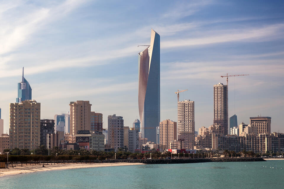 30,000 expats leave Kuwait in first four days of May