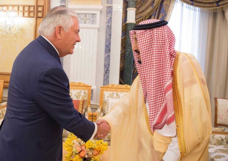 Tillerson oversees Saudi-Iraq meeting amid push to counter Iran